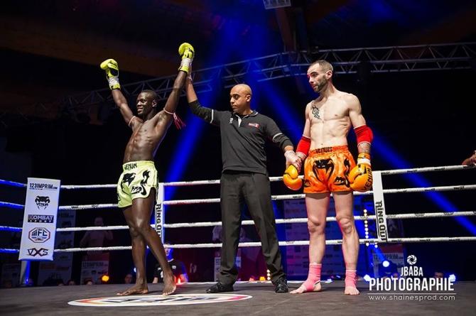 Oumar  Ba (Martial Gym) : «Énorme de gagner par K.O»